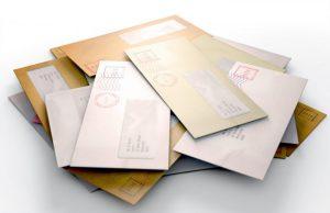 Handwerksbüro im Home Office - Rechnungen und Angebote per Post gehören noch zum Alltag